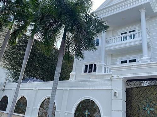 Dọn về ở với đại gia Phượng Chanel, đây là căn nhà nơi Quách Ngọc Ngoan đang sống-2