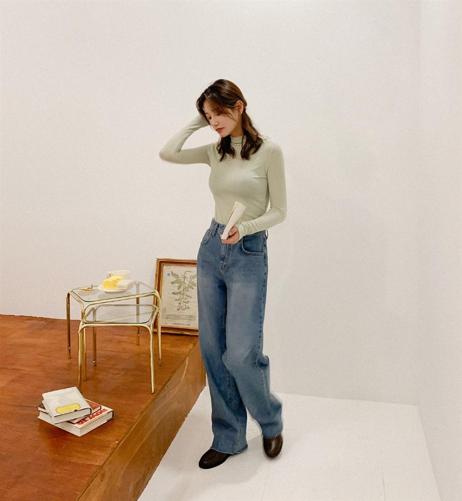 Mê quần jeans ống suông thì bạn nhất định phải sắm 3 mẫu áo sau để mặc là đẹp và chất ngất-6