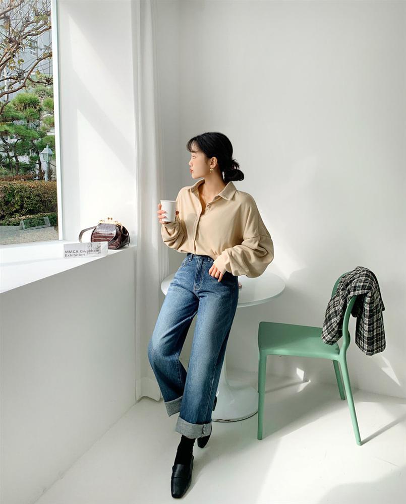 Mê quần jeans ống suông thì bạn nhất định phải sắm 3 mẫu áo sau để mặc là đẹp và chất ngất-9
