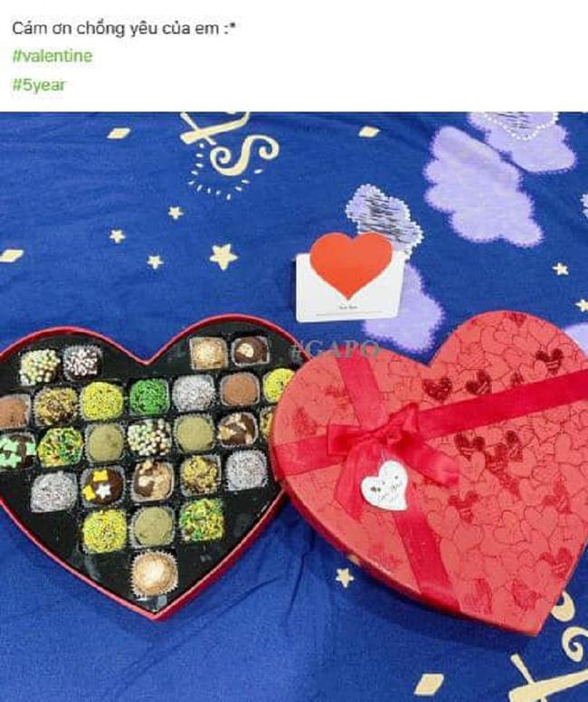 Phốt căng ngày Valentine: Ông chồng IQ vô cực khi lấy quà bồ tặng đem về nịnh vợ, hài hơn nữa là màn đòi lại công bằng của kẻ thứ 3-2