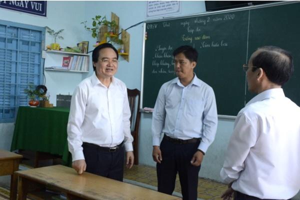 Bộ trưởng Bộ GD&ĐT: Sẽ lùi thời điểm kết thúc năm học, sức khỏe của học sinh, giáo viên là trên hết-1