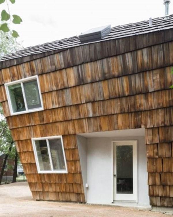 Ít tiền, xây ngôi nhà liêu xiêu như sắp đổ, vợ chồng trẻ khiến ai cũng kinh ngạc-2