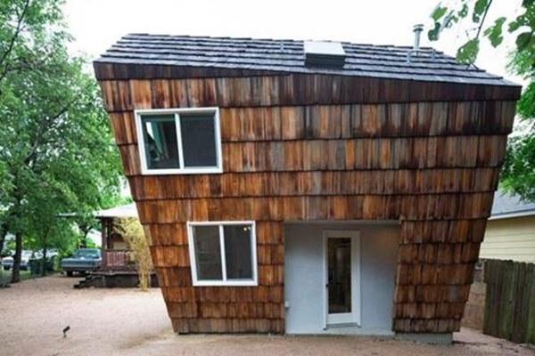 Ít tiền, xây ngôi nhà liêu xiêu như sắp đổ, vợ chồng trẻ khiến ai cũng kinh ngạc-4