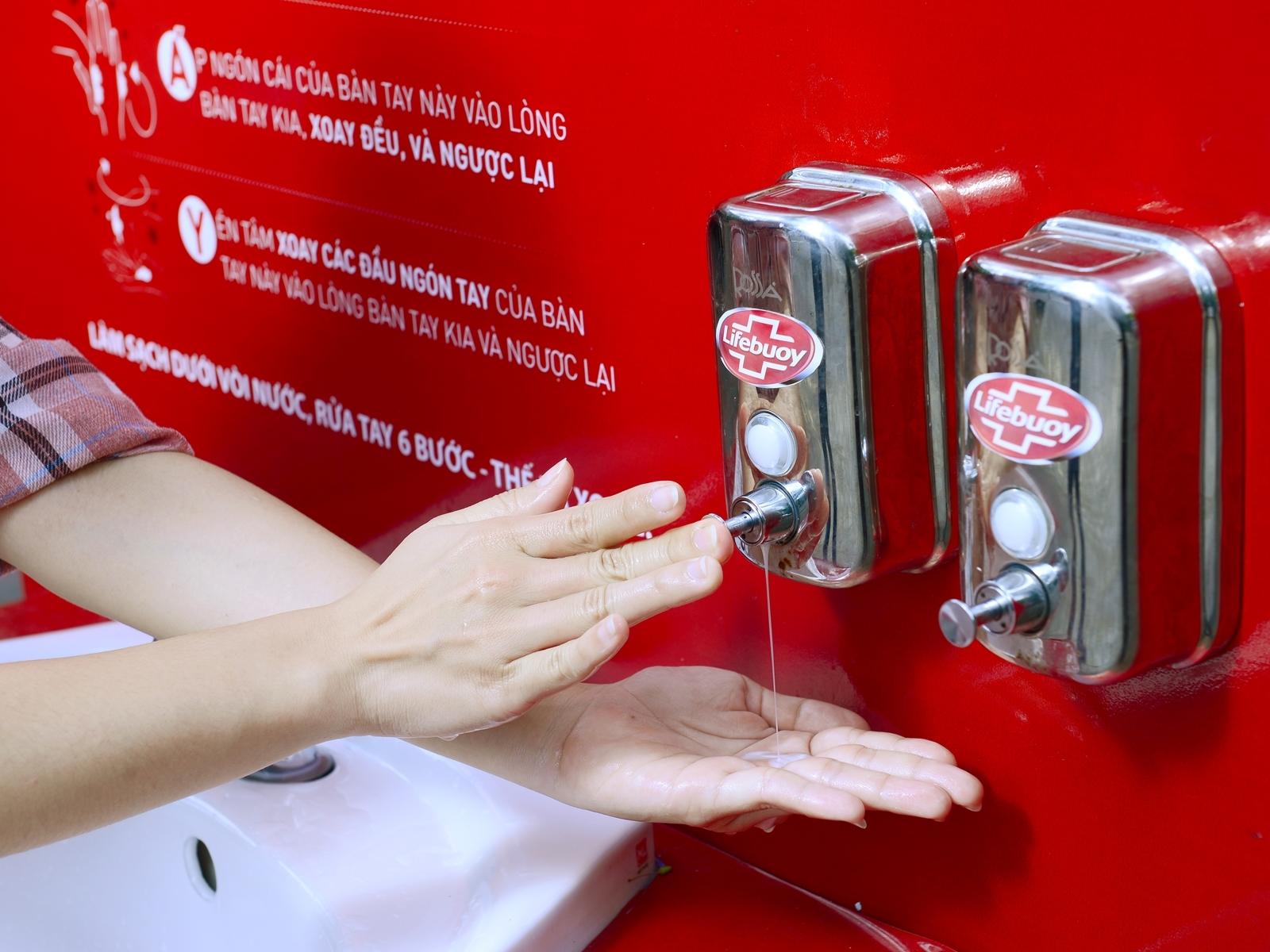 Lifebuoy lắp trạm rửa tay miễn phí ở hàng loạt điểm công cộng-4