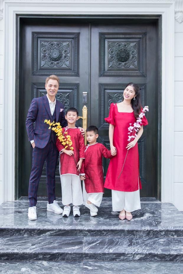 Hoa mắt vì biệt thự mới tậu của dàn sao Việt: Toàn bạc tỷ siêu sang, nhà Ngọc Trinh xa hoa như khách sạn 5 sao-4