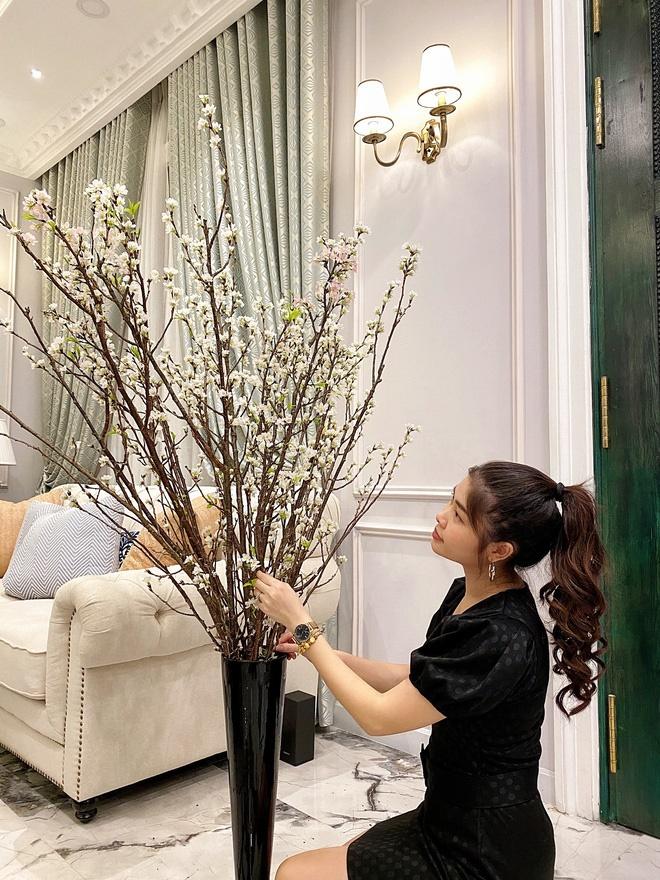 Hoa mắt vì biệt thự mới tậu của dàn sao Việt: Toàn bạc tỷ siêu sang, nhà Ngọc Trinh xa hoa như khách sạn 5 sao-7