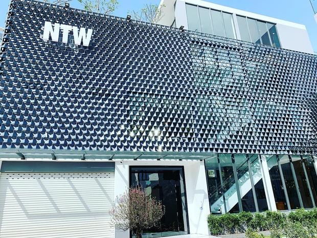Hoa mắt vì biệt thự mới tậu của dàn sao Việt: Toàn bạc tỷ siêu sang, nhà Ngọc Trinh xa hoa như khách sạn 5 sao-18