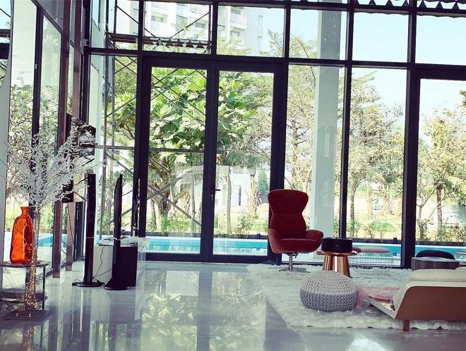 Hoa mắt vì biệt thự mới tậu của dàn sao Việt: Toàn bạc tỷ siêu sang, nhà Ngọc Trinh xa hoa như khách sạn 5 sao-19