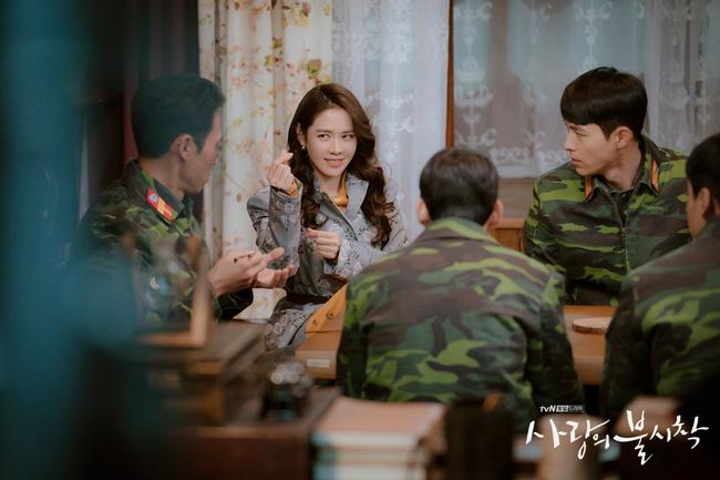 Crash Landing On You: Duyên tiền định thế này mà Son Ye Jin và Hyun Bin không cưới nhau là quá phí-7