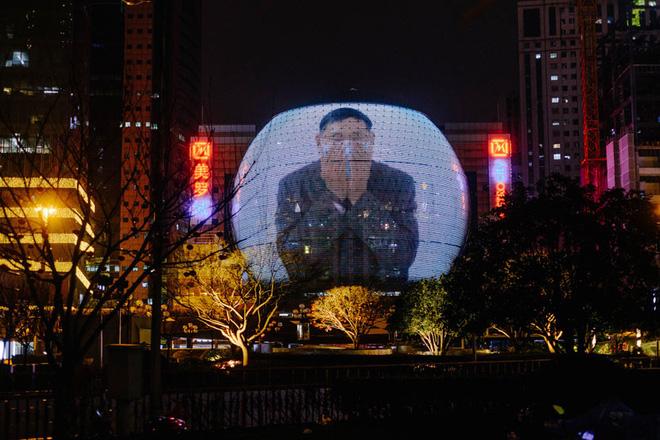 Cảnh tượng hiếm thấy: Hàng triệu người trở lại làm việc nhưng các siêu đô thị Trung Quốc vẫn chìm trong hôn mê vì virus corona-23