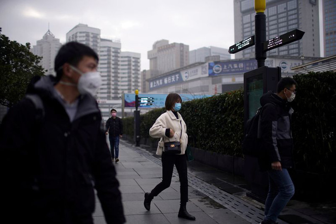 Cảnh tượng hiếm thấy: Hàng triệu người trở lại làm việc nhưng các siêu đô thị Trung Quốc vẫn chìm trong hôn mê vì virus corona-28