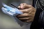 Rửa tay, vệ sinh điện thoại sạch sẽ phòng virus tốt hơn đeo khẩu trang