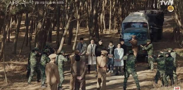 Preview tập cuối Crash Landing on You: Bị thập diện mai phục, Hyun Bin vẫn lao thẳng qua biên giới vì Son Ye Jin?-1