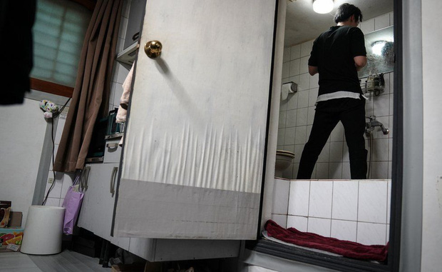Nhà bán ngầm ở Seoul: Nơi người trẻ khom lưng mà sống, 'mùi của cái nghèo' rõ nhất vào hè nhưng họ vẫn từ chối biến thành 'ký sinh trùng'-1