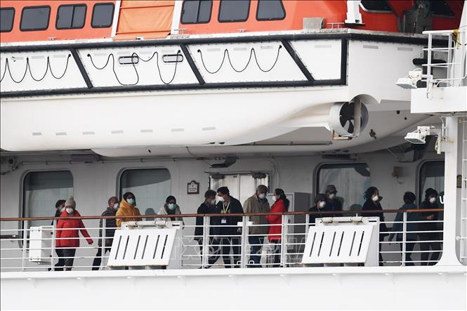 Nhật Bản xác nhận 355 trường hợp nhiễm COVID-19 trên du thuyền Diamond Princess-1