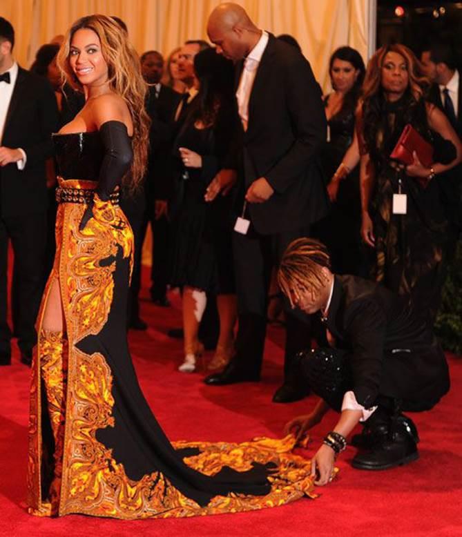 Stylist hé lộ 8 bí mật thời trang thảm đỏ của các ngôi sao khiến ai cũng phải thán phục vì quá kỳ công-2