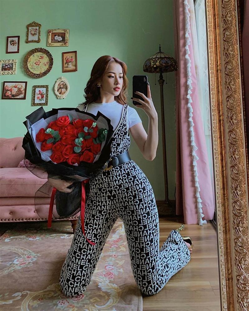 Diện bộ jumpsuit gần 80 triệu, Chi Pu mix đồ cực kỳ cao tay thậm chí còn có thể so bì độ gợi cảm với cả Kylie Jenner-2