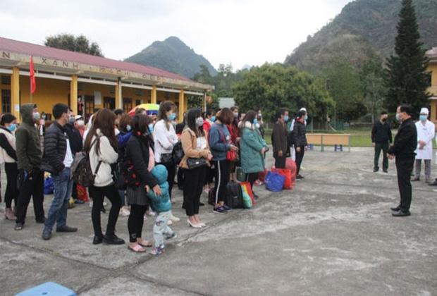 52 công dân đầu tiên được trở về nhà sau 14 ngày cách ly tại Lào Cai-1