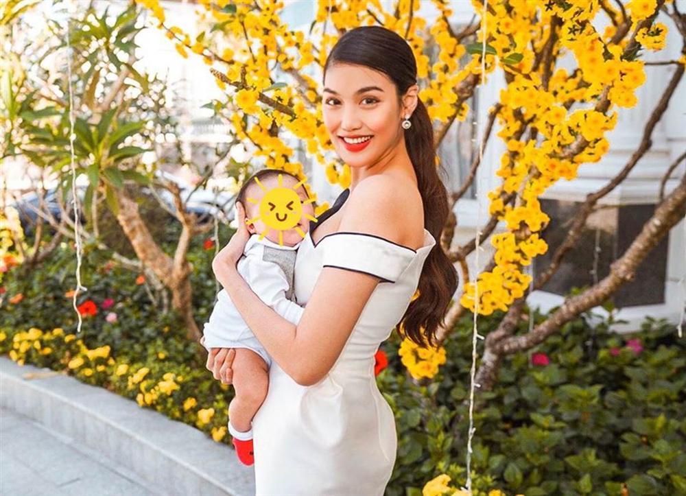 Mới gần 3 tháng tuổi, con trai siêu mẫu Lan Khuê đã được thừa kế món tài sản bất ngờ từ mẹ-2