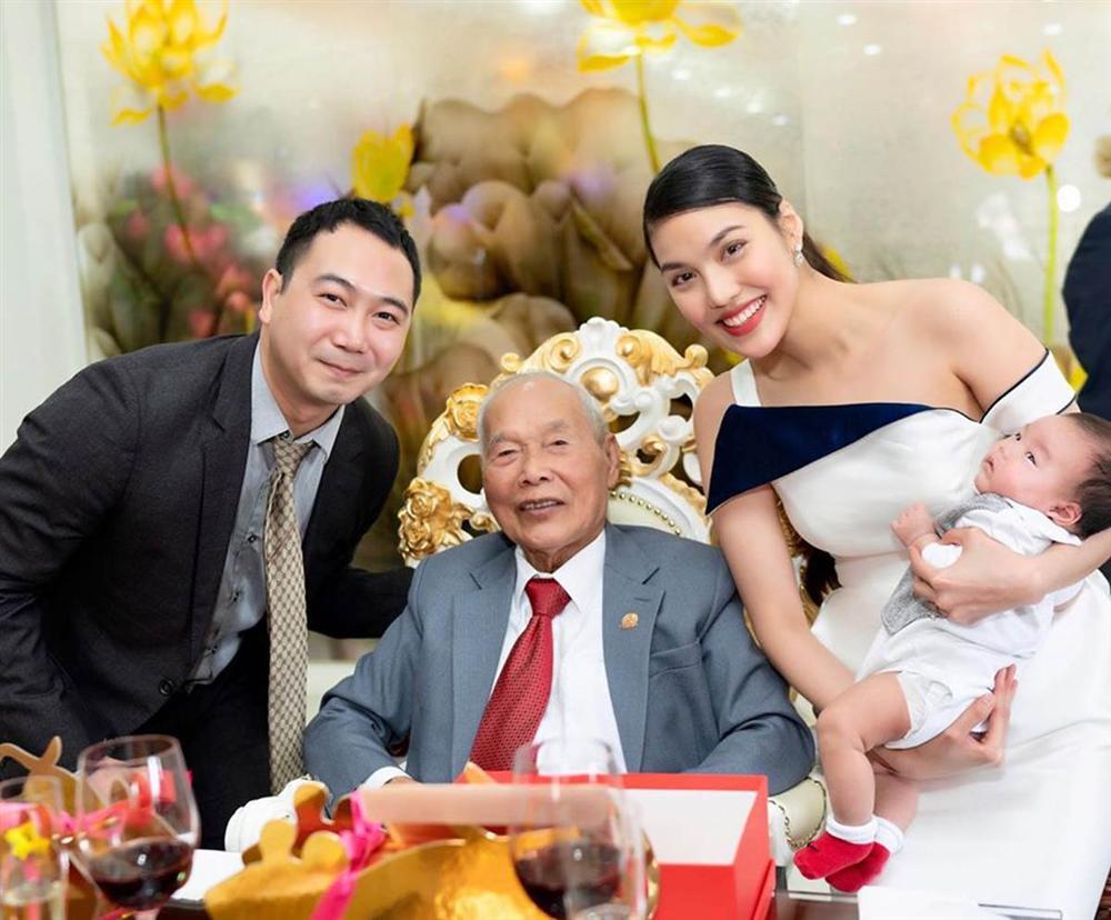 Mới gần 3 tháng tuổi, con trai siêu mẫu Lan Khuê đã được thừa kế món tài sản bất ngờ từ mẹ-3