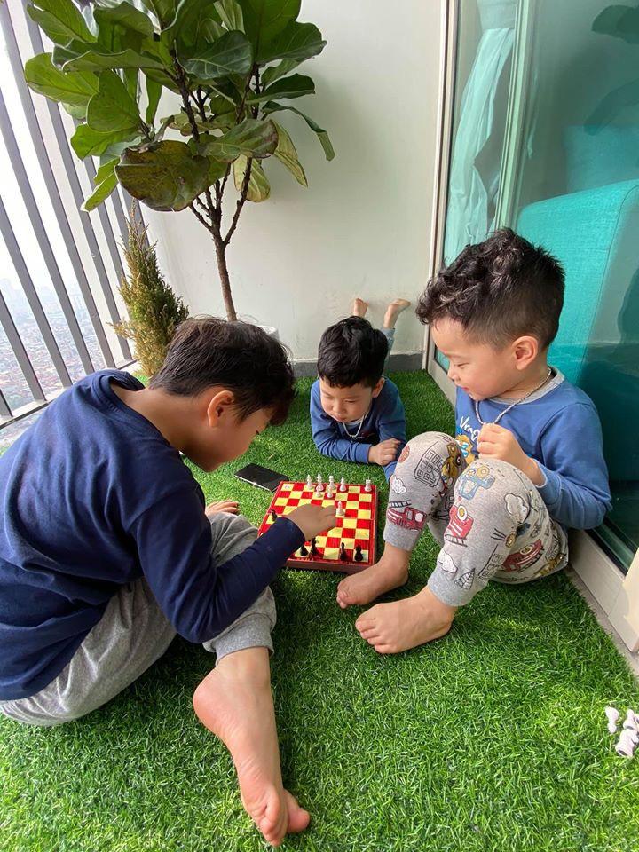 """Được nghỉ học ở nhà, con trai Thu Quỳnh có lịch sinh hoạt lành mạnh đúng chuẩn bô lão"""" khiến nữ diễn viên phì cười-2"""