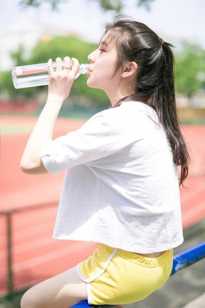 Lịch trình uống nước ấm trong ngày giúp bạn giảm tới 4,5kg chỉ sau 1 tuần-4