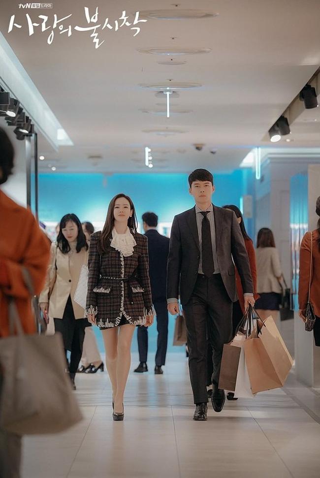 Huyn Bin và Son Ye Jin diện áo khoác đôi tại tiệc mừng công, bất ngờ nhất là giá áo của anh gấp mấy lần áo chị-3