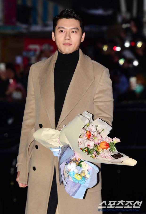 Huyn Bin và Son Ye Jin diện áo khoác đôi tại tiệc mừng công, bất ngờ nhất là giá áo của anh gấp mấy lần áo chị-4