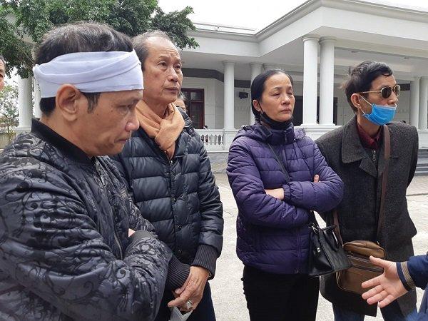 """Vụ mẹ con ăn xin gặp nạn trên cầu Thanh Trì: 7 năm qua cháu tôi chưa được đặt tên""""-3"""