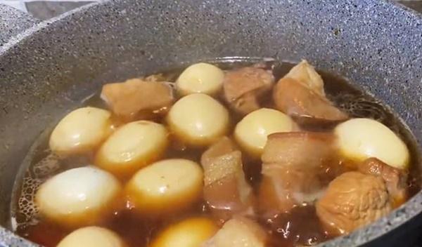Tình mẹ bao la, có 2 con lớn, nghệ sĩ Ngọc Huyền vẫn được mẹ ruột nấu ăn mỗi ngày-3