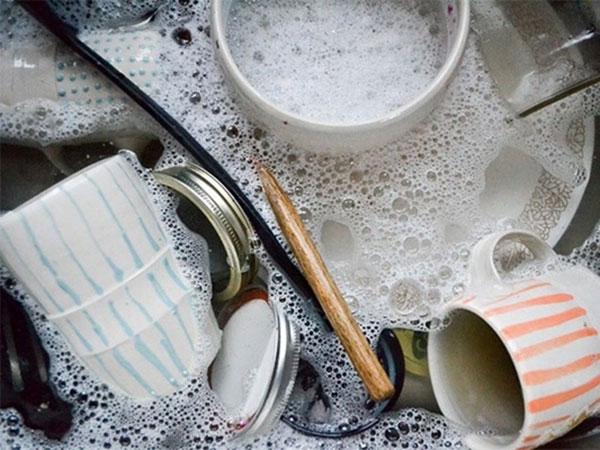 Những sai lầm rửa bát nhà nào cũng dễ mắc phải, khiến vi khuẩn tích tụ, ủ bệnh cho cả nhà-1