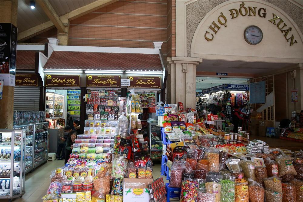 Khu chợ lớn nhất Hà Nội đìu hiu giữa thời dịch Covid-19-13