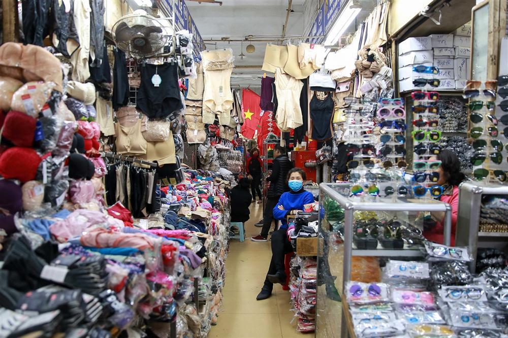 Khu chợ lớn nhất Hà Nội đìu hiu giữa thời dịch Covid-19-9