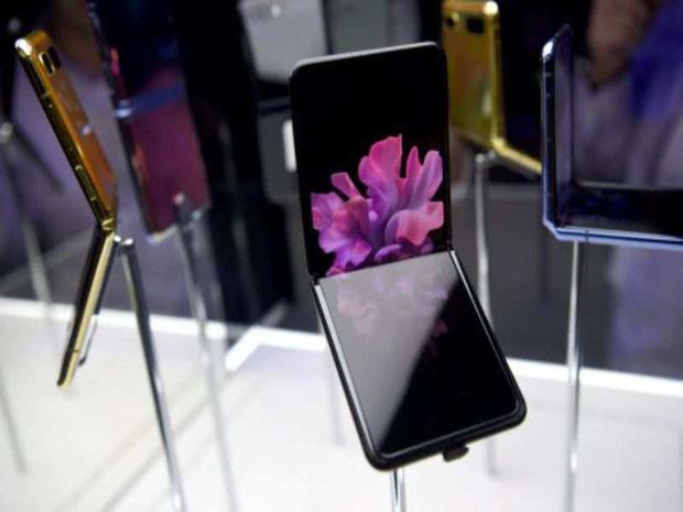 Samsung không nói dối: Màn hình Galaxy Z Flip thực sự làm từ kính, vì chỉ kính mới gãy được như thế này-1
