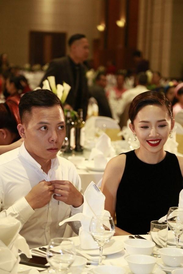 HOT: Đã ấn định ngày cưới của Tóc Tiên và Hoàng Touliver, địa điểm hôn lễ đúng như lời đồn trước đó?-1