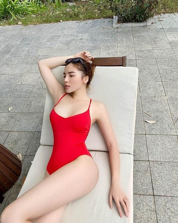 Trọn bộ ảnh bikini nóng bỏng, hút mắt của Kỳ Duyên khi đi du lịch cùng người yêu tin đồn-3