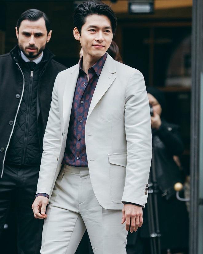 Hyun Bin ngoài đời thích diện vest như quý ông, vuốt tóc lãng tử-3