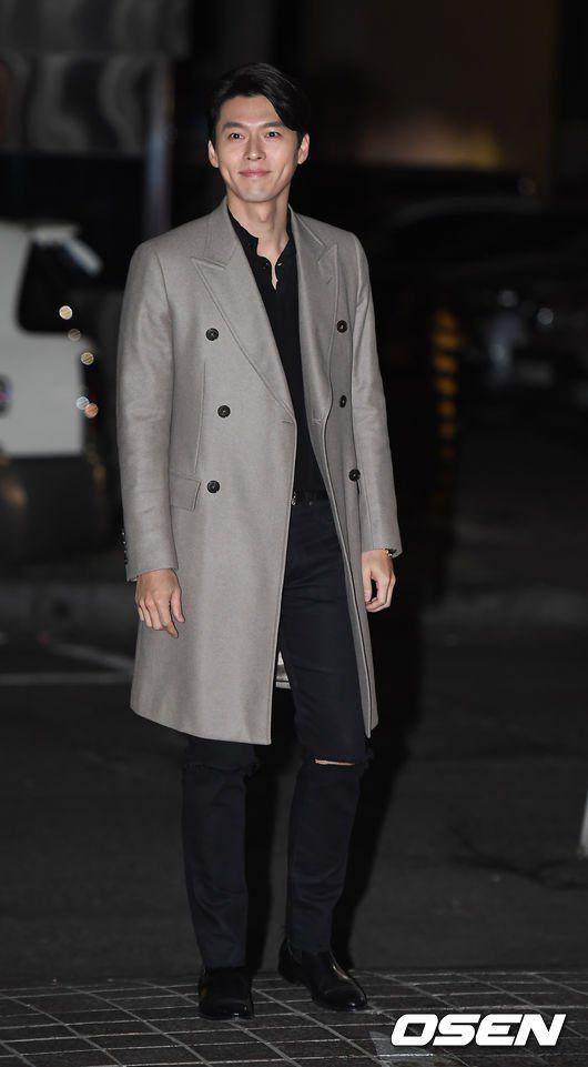 Hyun Bin ngoài đời thích diện vest như quý ông, vuốt tóc lãng tử-4