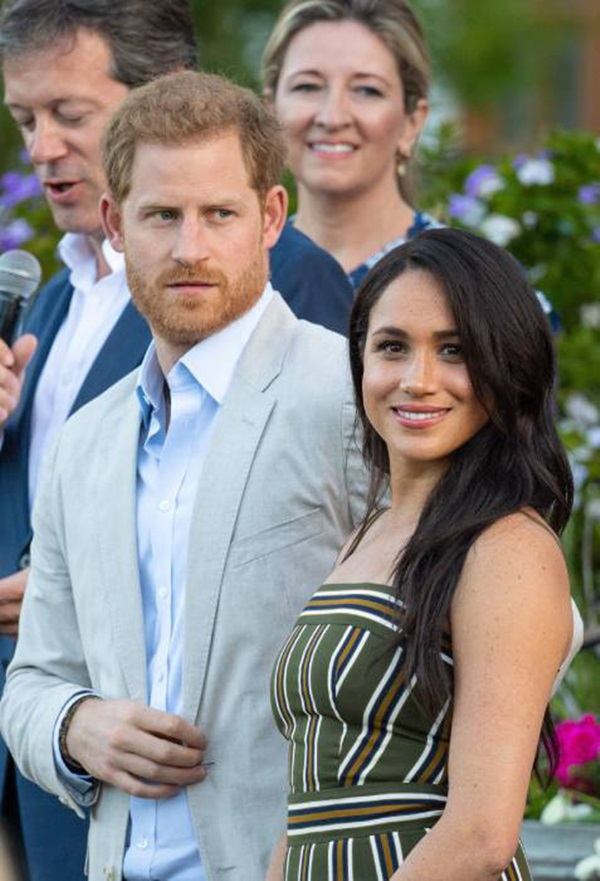 Nỗi buồn hoàng gia Anh: Thêm một cặp đôi ly hôn sau 26 năm chung sống, vợ chồng Meghan Markle lại bị réo gọi tên-4