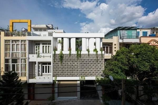 Ông bố Sài Gòn xây nhà đẹp như mơ tặng con gái rượu-1