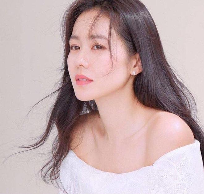 Son Ye Jin có cách dưỡng da khác với mọi người để giữ gìn nhan sắc-3