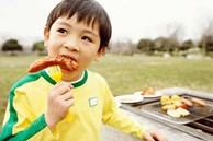 Điểm danh 4 thực phẩm có thể gây ung thư cho trẻ, 3 thứ hầu hết các bé đều 'nghiện'