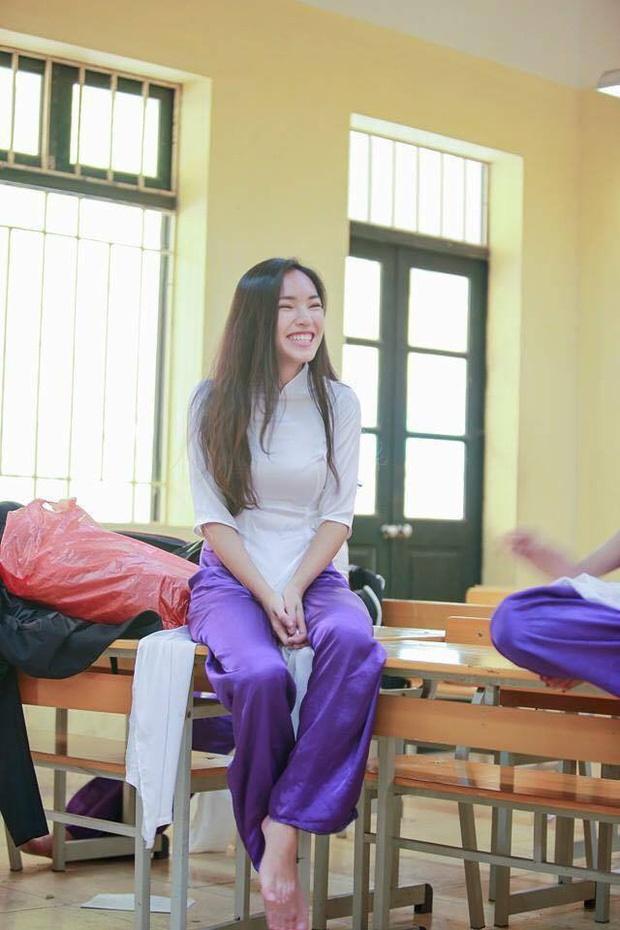 Loạt ảnh thời đi học của dàn hotgirl Việt đình đám: Hoá ra ai cũng có một thời trông quê quê, xấu xấu... dậy thì rồi mới lột xác đỉnh cao-5