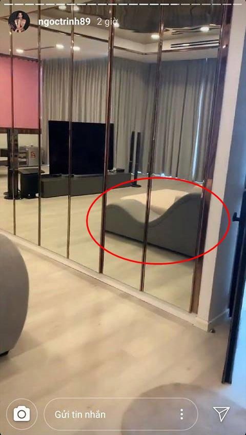 Ngọc Trinh mải mê khoe nhà mới có nội thất triệu đô nhưng lại vô tình để lọt một chiếc cầu tuột có thiết kế lạ lùng?-1