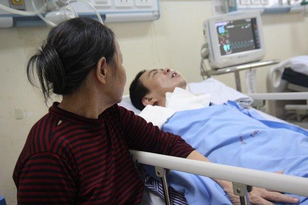 """Mẹ chết lặng khi nghe con nói ngoài hành lang bệnh viện: Mẹ ơi cứu con, con sắp chết rồi""""-1"""
