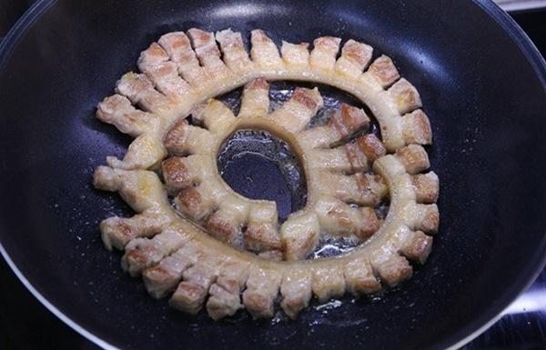 Thịt kho tàu mẹ làm theo cách này sẽ thơm, mềm, ngậy mà không hề ngán-5