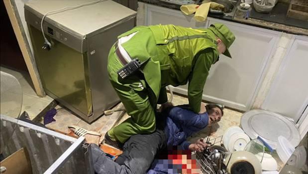 Nhân chứng bàng hoàng kể giây phút NSƯT Vũ Mạnh Dũng bị anh vợ ngáo đá dùng dao đâm tử vong-5