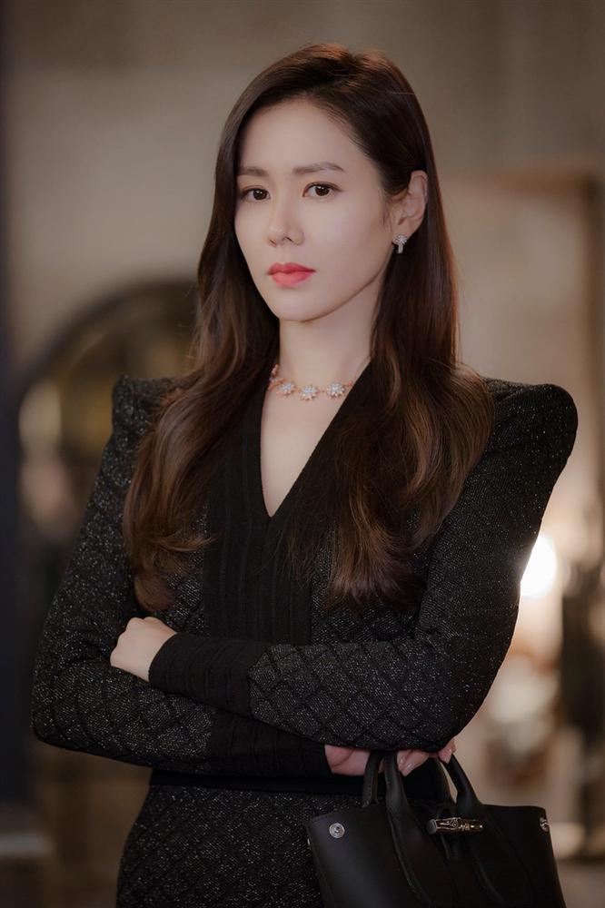 So sánh người cũ Song Hye Kyo và tình tin đồn hiện tại của Hyun Bin: Đẹp, giỏi, giàu rồi nhưng đường tình duyên lại vướng quá nhiều ồn ào-6