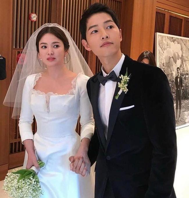 So sánh người cũ Song Hye Kyo và tình tin đồn hiện tại của Hyun Bin: Đẹp, giỏi, giàu rồi nhưng đường tình duyên lại vướng quá nhiều ồn ào-15