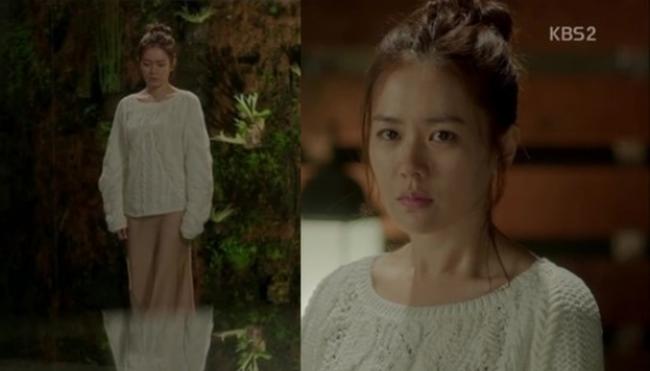 Song Hye Kyo đụng hàng Son Ye Jin: Đều xinh đẹp ngút ngàn nhưng thần thái liệu có cách biệt?-3